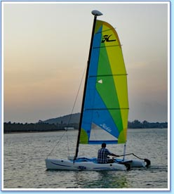 Hobie Cat Hire at Moonhut Beach