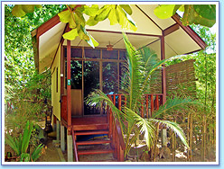 Moonhut Resort: Standard Air-Conditioned Bungalow